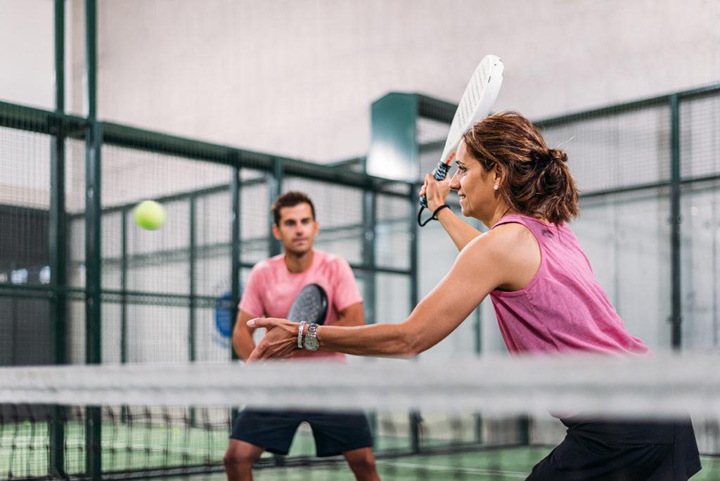 jugar tenis dolor hombro